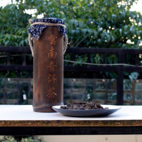 厂家货源云南普洱茶熟茶 2006年陈年竹筒装老茶头10年陈香400g